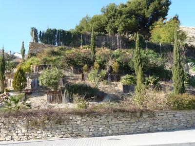 Traviesas para formar terrazas en jardiner a alicante for Jardines verticales alicante